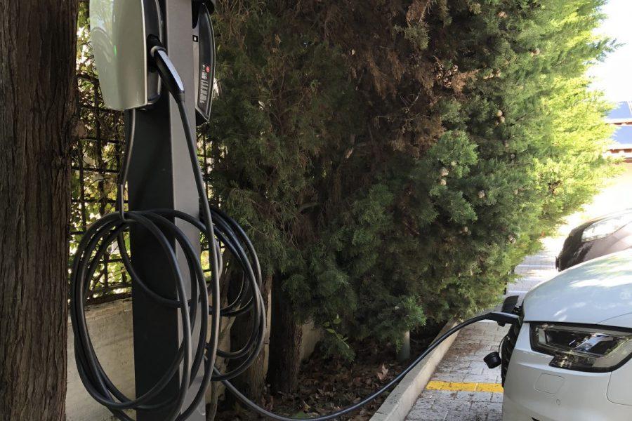 Colonnina di ricarica EV Tesla Destination Charging