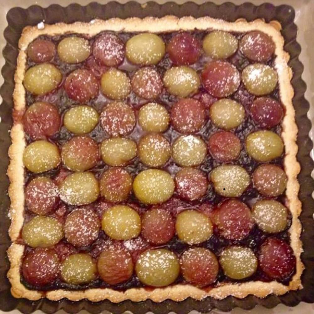 Crostata d'uva bianca e nera Hotel 900 Cake Torta Homemade Fatta in casa