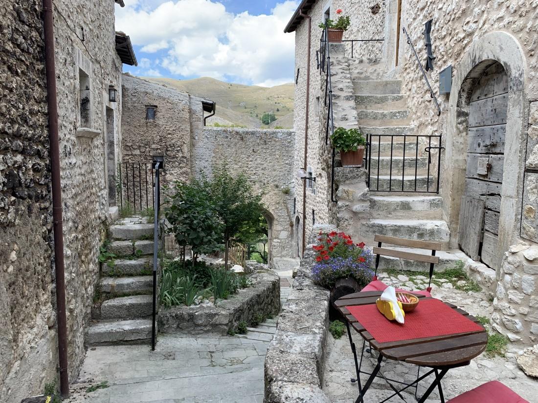 Santo Stefano Di Sessanio Borgo Natura Abruzzo Meraviglie da scoprire