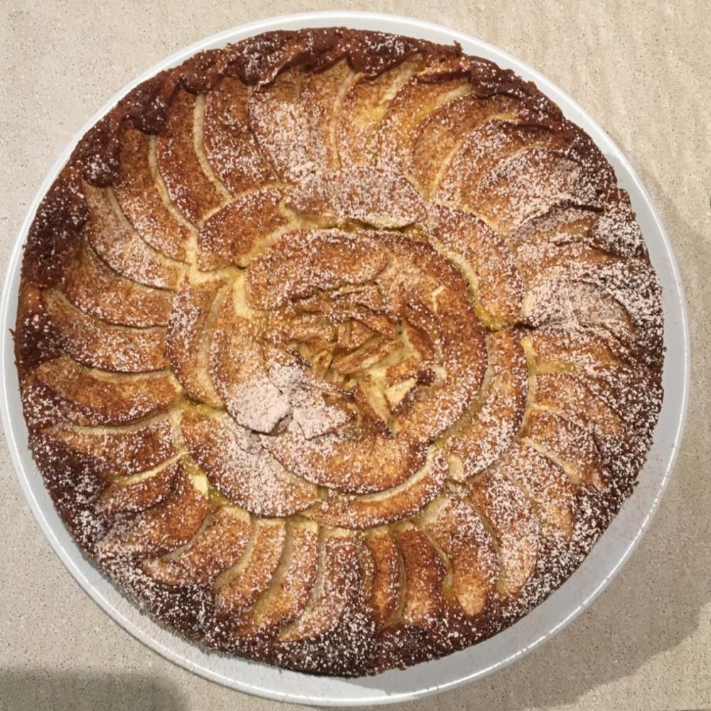 Torta rustica di mele, arancia e cannella Hotel 900 Cake Torta Homemade Fatta in casa