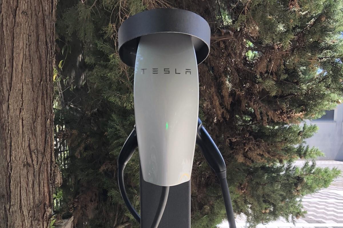 Viaggia gratis Hotel 900 Giulianova Abruzzo Offerta Offer EV Electric Car Auto Elettrica Charging